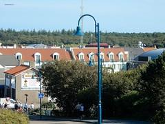 Badweg De Koog, Texel (bcbvisser13) Tags: lantaarnpaal duinen village dorp dorf huizen houses daken signs badweg texel dekoog nederland eu noordholland