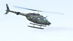 Bell 206 (EDArndt) Tags: bell206 bell 206 hkp6 swedishairforce sweden sverige örebroflygdag örebro helicopter helikopter aircraft airshow aviation airforce flying nikon d300s sigma ex100300f4