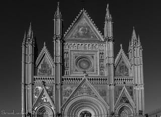 Facciata del Duomo - Orvieto - BW-BN