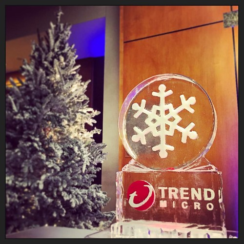 Big thank you to @trendmicro_tr for including us in their #holiday celebration @westindomain tonight! #fullspectrumice #thinkoutsidetheblocks #brrriliant #branding - Full Spectrum Ice Sculpture