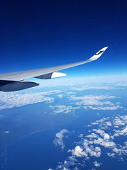 20171005 01.00.11c (Fantasyfan.) Tags: finnair flight blue white suomi finland 100 fantasyfanin
