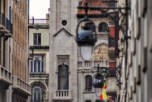 zona Via Laietana   #naturalphotograph#naturalphotography#art#blackandwhite#barcelona#barcelonagram#urban#travel#photography#photographer#instapic#instagood#instalike#instagram#streetphotography_bw#streetphotography#barcelonastravel#canonphotography#sky#n