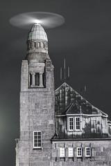 Radar at work (garrelf) Tags: availablelight black elbe foto hamburg hafen harbour historic langzeitbelichtung longexposure leuchtturm lighthouse lightrays lights ngc nordsee northsea outdoor schwarzweiss voss exposure mystic
