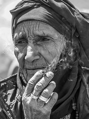 LRa Jordan 2017-4150089 (hunbille) Tags: birgittejordan72017lr jordan beidha bedouin beduin birgittejordan62017lr camp community tribe family smoking cigarette hand challengeyouwinner fotocompetition fotocompetitionbronze fotocompetitionsilver