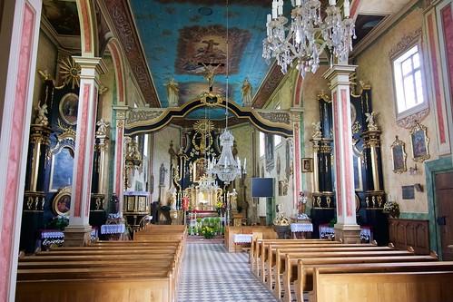 Wnętrze kościoła Niepokalanego Poczęcia NMP w Jasienicy Rosielnej