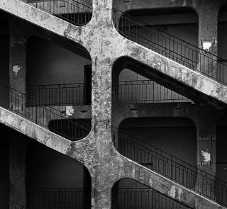 Lyon - Escalier de la cour des Voraces à la Croix-Rousse.