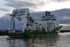 Havila Phoenix... Blyth 061217 (silvermop) Tags: ship boats ships sea offshorevessels offshore port river blyth havilaphoenix