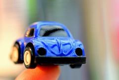 Macro Mondays  -  Fingertip(s) (ruthehrhardt) Tags: macromondays fingertips macro nikond5300 colors creativ fun blue