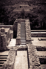 Going Nowhere (row.box) Tags: abandoned ancient antiquity archaeology architecture blackandwhite civilisation crete end exinct greece island knossos minoan minotaur ruin stairs camera:make=fujifilm geocountry geo:lon=25163055555555 exif:model=finepixs5500 geostate camera:model=finepixs5500 exif:focallength=75mm geocity exif:make=fujifilm geo:lat=35298055555555 exif:isospeed=64 exif:aperture=ƒ50 knosos creteregion gr