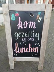 Kom gezellig bij ons lunchen! (Daniella Velings) Tags: lunchroom valkenswaard cutefind streetfun streetartistry streetfinds chalkboard krijtbord