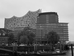 Elphie Hamburg (Anja Schruba) Tags: elphie elbphilharmonie hamburg hh bw sw