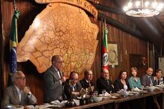 27/11/17 - Encontro do Bem no Galpão do Palácio Piratini com o Governador Sartori e autoridades