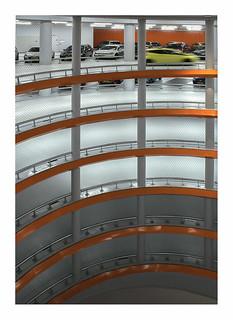 Spiraling up (Lammermarkt parking Leiden)
