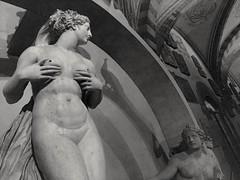 cerere e castalia (g_u) Tags: gu ugo firenze florence bargello ammannati fontana bn bw bianco nero statua