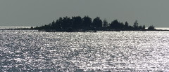 A small islet off Vatunginnokka (Ii, 20170804) (RainoL) Tags: crainolampinen 2017 201708 20170804 august bothnianbay fin finland fz200 geo:lat=6555131167 geo:lon=2511182785 geotagged ii island kuivaniemi landscape northernostrobothnia perämeri sea seascape seashore summer vatunginnokka pohjoispohjanmaa