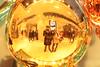 Le plaisir de faire plaisir (Shooting photo à petit prix) Tags: plaisir licorne noiretblanc noel paris france sapin shooting shootingphoto photographie découverte bouledenoel boules boule marques galerielafayette grandsmagasins magasins colombes colombe pigeon blanc drole amusant