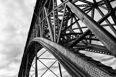 Ponte Dom Luis (laga2001) Tags: bridge steel structure old rivets beams curve lines black white bw monochrome porto portugal river crossing sightseeing grey unseco heritage architecture eiffel archway pov