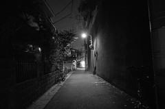 _G004093.jpg (Ryo(りょう)) Tags: 28mm tokyo night bw monochrome japan ricohgrii