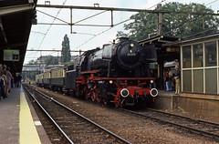 VSM 23 076 in Arnhem, 1977. (appearances can be deceptive) Tags: vsm 23076 stoomlocomotief arnhem stationvandeweek