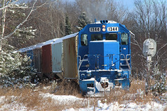 On the Other Hand (view2share) Tags: emd electromotivedivision engine els escanabalakesuperior escanabalakesuperiorrailroad storage sidnaw michigan mi upperpeninsula uppermichigan northernmichigan northwoods northwood switch switching switches deansauvola november102017 november2017 snow snowfall winter fall autumn houghtoncounty sun clouds sky track transportation trains tracks transport train trackage trees travel freighttrain freight freightcar freightcars hoppercar hopper coveredhopper coveredhoppercar railway railroading rr railroads rail rails railroaders rring railroad roadtrip ilsx1344 sd402 blue dssa nestoriabranch nestoria signal rural cold