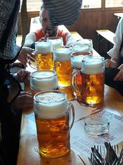 Prost ! (il est 11h00 du matin!) (Πichael C.) Tags: euroadtrip 2017 stuttgart wasen bad cannstatt oktoberfest volkfest beer bière fête party vacances holidays prost il est 11h00 du matin cannstatter volksfest