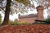 Il castello delle foglie - The castle of the leaves. (sinetempore) Tags: ilcastellodellefoglie thecastleoftheleaves castellomedievale medievalcastle parcodelvalentino torino turin parco park fogliesecche dryleaves panchina bench albero tree
