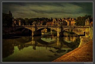 Roma_Tevere_Ponte Vittorio Emanuele II_Italia