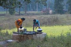 Maikal hills - Chhattisgarh - India (wietsej) Tags: maikal hills chhattisgarh india sony a700 zeiss sal135f18z 13518 sonnar13518za landscape women water put