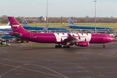 TF-WOW, Airbus A330-343, WOW Air (freekblokzijl) Tags: wow airbusa330 purple iceland reykjavik arrival gate terminal platform autumn planespotting terrace najaar november canon eos7d eham ams