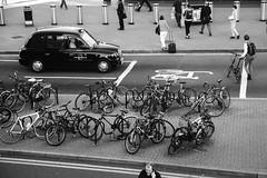 Bicycle parking. (Jose_Pérez) Tags: street streetphoto london bike parking bicicleta blackandwhite blancoynegro londres