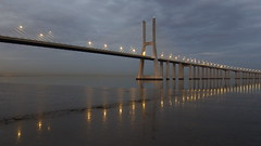 Ponte Vasco da Gama (Hugo Albuquerque) Tags: ponte pontevascodagama tejo rio riotejo bridge entardecer anoitecer