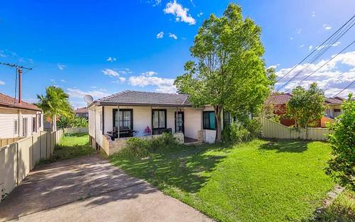 32 Rossiter St, Smithfield NSW 2164