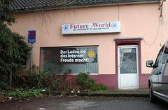 A bleak future (Schwanzus_Longus) Tags: oldenburg german germany shop front closed abandoned building