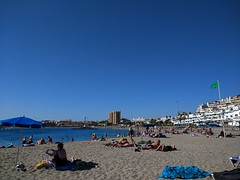 beach (curly_em) Tags: blue beach bluesky cloudless summer sunshine tenerife canaryislands loscristianos relax holiday vacation buildings