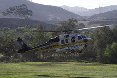 LA County Firehawk (dcnelson1898) Tags: 2017americanheroesairshow hansendam losangeles california lakeviewterrace outdoors helicopter helicopters aviation losangelescounty losangelescountyfiredepartment h60firehawk firstresponder