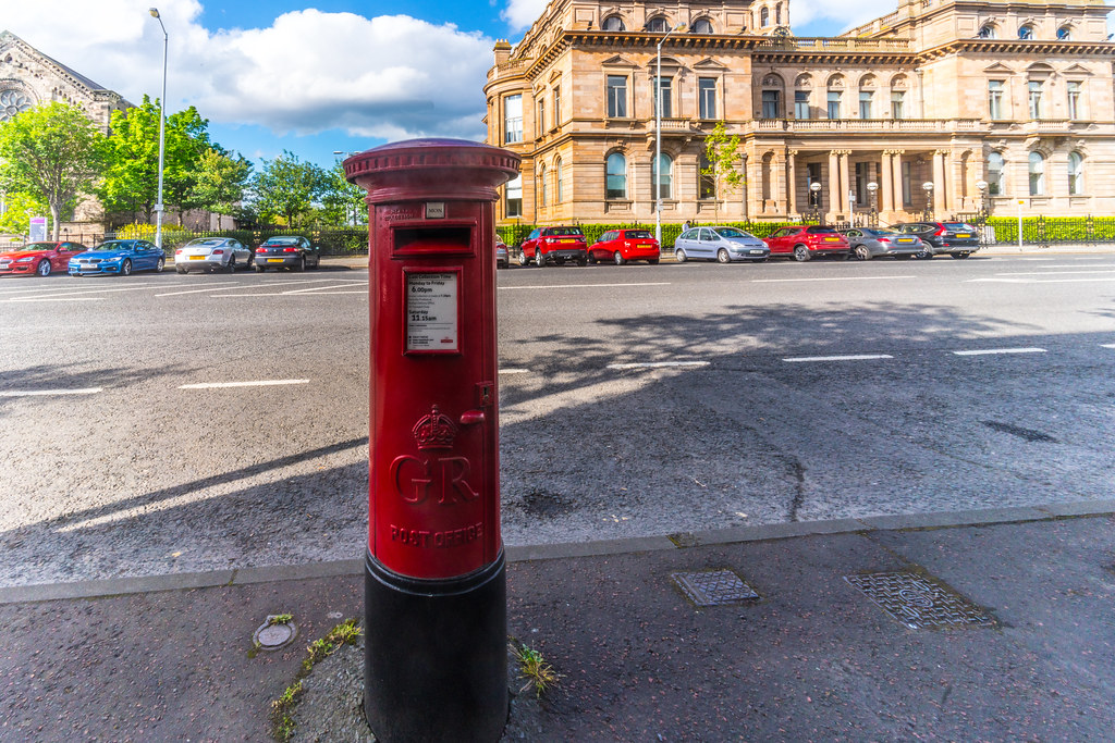 GEORGE V RED POSTBOX [CORPORATION SQUARE BELFAST]-134132