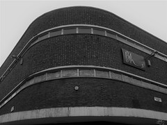 Closed BHS store in Sauchiehall Street (Wider World) Tags: scotland glasgow citycentre brick bhs corner curve sauchiehallstreet renfieldstreet