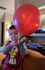With the Balloon (earthdog) Tags: 2017 balloon house home scooter googlepixel pixel moblog cameraphone androidapp