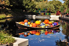Chihuly at NYBG (caboose_rodeo) Tags: 535 nyc newyorkcity thebronx newyorkbotanicalgarden water reflections art sculpture boat favorite wheresthefood