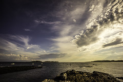 Light Over Kettle Cove (storymakr) Tags: batis2818