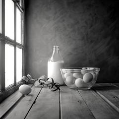 Eggs (Luiz L.) Tags: luizlaercio stilllife eggs milk film analogic light rolleiflex