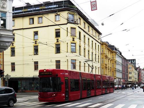 074 - 17-09-02 Innsbruck Bürgerstr Tw 323
