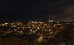 Noches de Toledo. (Amparo Hervella) Tags: toledo paisaje españa spain ciudad arquitectura nocturna nube estrella largaexposición d7000 nikon nikond7000 comunidadespañola