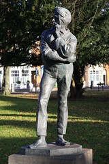 Rupert Brooke Statue (47/52) (Stu.G) Tags: canoneos40d canon eos 40d canonefs1785mmf456isusm efs 1785mm f456 is usm england uk unitedkingdom united kingdom britain greatbritain d europe eosdeurope project52 project 52 project522017 522017 23nov17 23rdnovember2017 23rd november 2017 november2017 23rdnovember 231117 23112017 rupert brooke statue rupertbrookestatue rugby warwickshire rugbywarwickshire