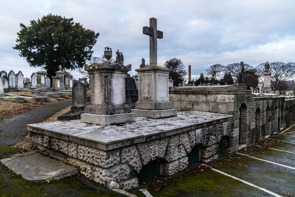 MOUNT JEROME CEMETERY IS AN INTERESTING PLACE TO VISIT [IT CLOSES AT 4PM]-134263