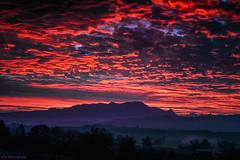 Hell-on-Sky (Skodiar) Tags: sky himmel fire feuer sunrise sonnenaufgang natur nature landscape landschaft canon canong7xii 1sensor 1