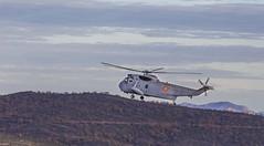 Pájaro (misterkoma) Tags: canon 6d sigma 70300 aire armada helicoptero españa volar monte ejercito sierra la hez munilla santa cielo fly rioja ocon alfaro