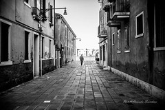 """Melancholic and sentimental poetry is a breath of the soul."" Giacomo Leopardi <3 (alessandrafinocchiaro67) Tags: monocromatico monochrome monoc blackandwhiteart blackandwhiteonly blackandwhitephoto blackandwhite blackandwhiteph bw bianconero biancoenero bestblackandwhite bestmonoch fujifilmx100f fujifilm streetsty streetstyle street streetlife streetcapture streetphotography"