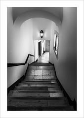 Zona de pas VIII / Transit area VIII (ximo rosell) Tags: ximorosell bn blackandwhite blancoynegro bw arquitectura architecture interiors interiores stairs nikon d750