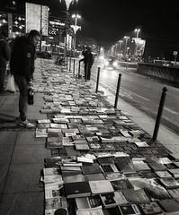 Books (radimersky) Tags: books książki sprzedaż selling night noce nocne wrocław breslau polska poland streetphotography street ulica ludzie people bw blackandwhite blacwhite monochrome europa europe candid smartphone samsung7s galaxys7 smg935f